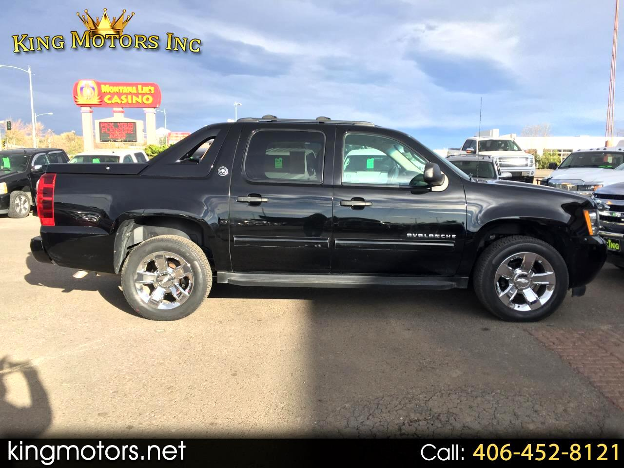 2013 Chevrolet Avalanche 4WD Crew Cab LS