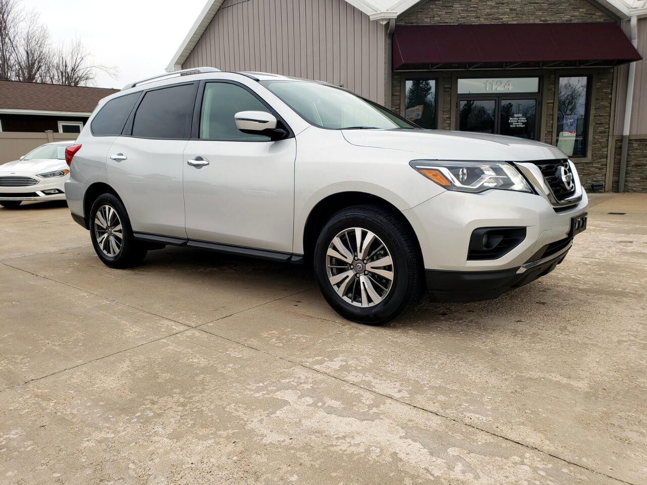 2019 Nissan Pathfinder SV Leather 4WD