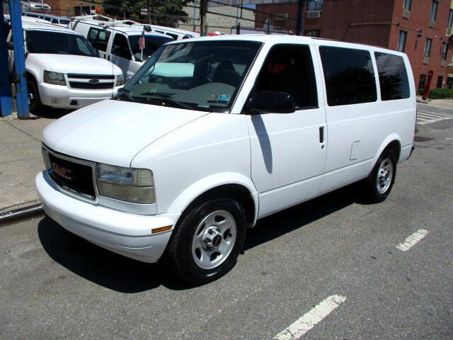 2004 GMC Safari Passenger Van AWD