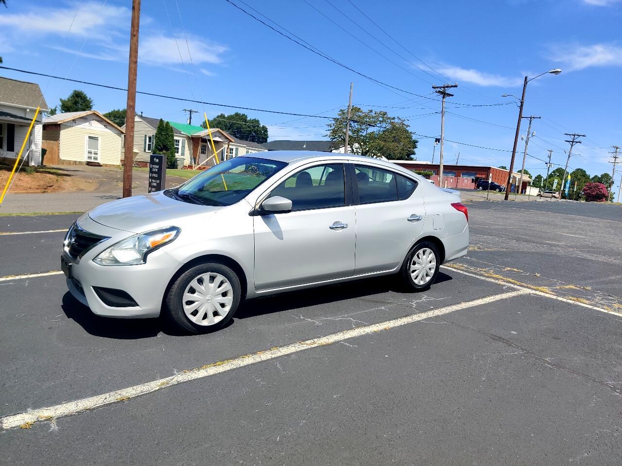 Nissan Versa SV 4D Sedan 2018