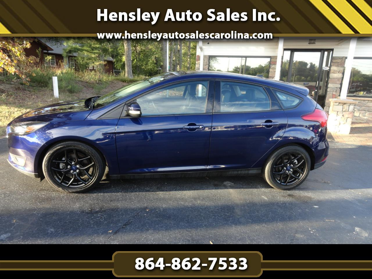 2016 Ford FOCUS SE 5 door hatchback