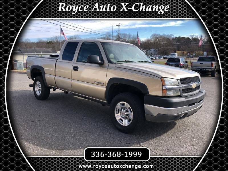 Chevrolet Silverado 2500HD Ext. Cab Short Bed 4WD 2004