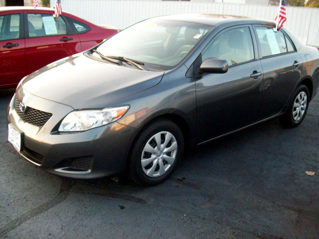 Toyota Corolla Base 4-Speed AT 2010