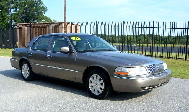 2005 Mercury Grand Marquis LS 4-Door