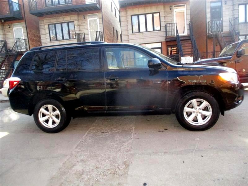 Toyota Highlander Base 2WD 2009