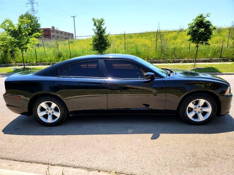 Dodge Charger SE 2012