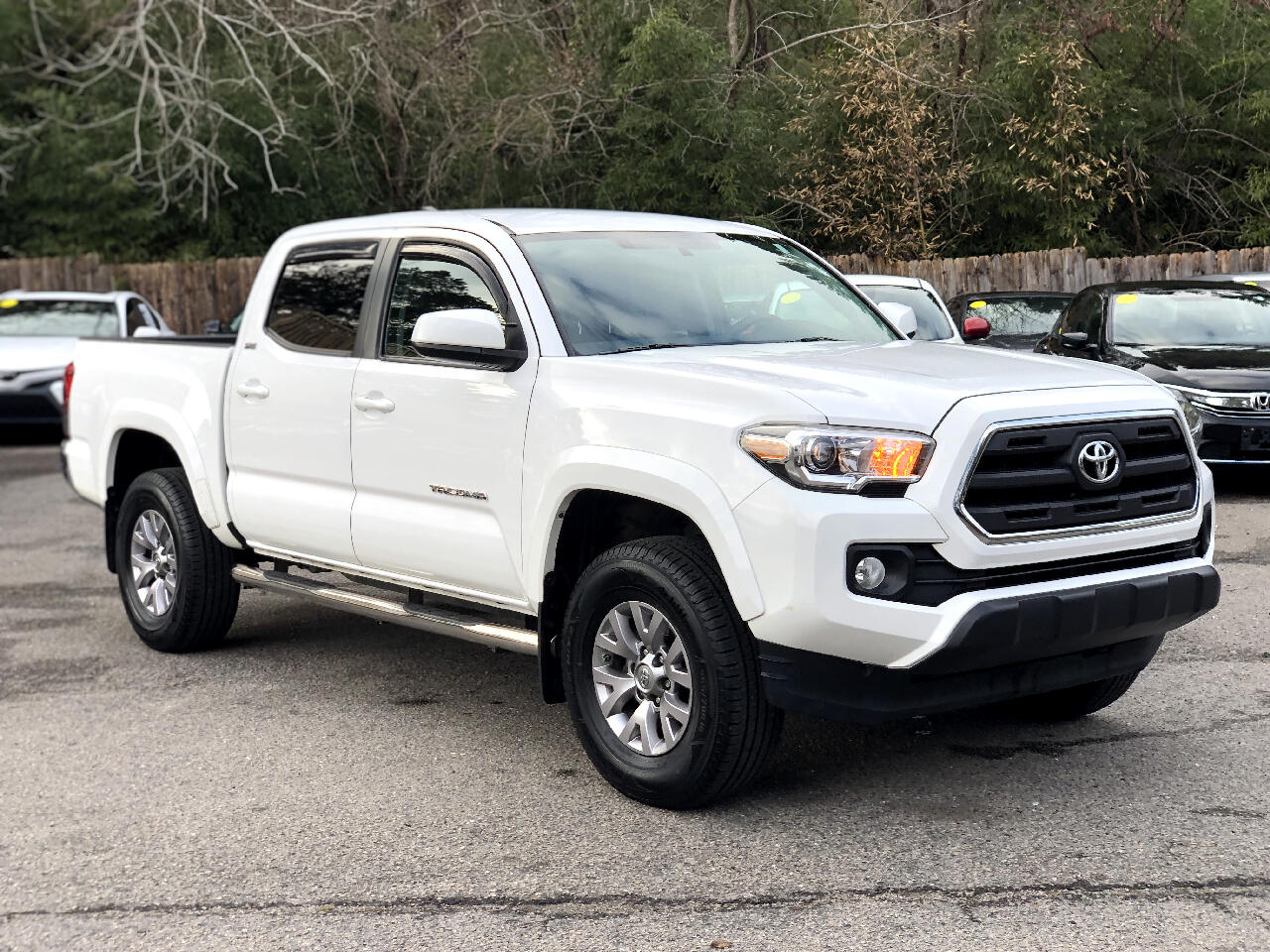 Toyota Tacoma SR5 Double Cab 5' Bed I4 4x2 AT (Natl) 2017