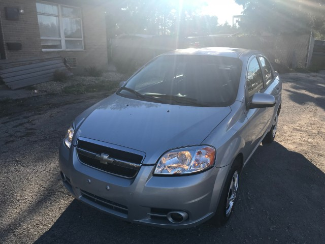 2011 Chevrolet Aveo 2LT 4-Door