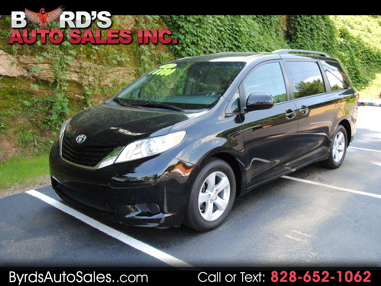 Toyota Sienna LE FWD 8-Passenger (Natl) 2017