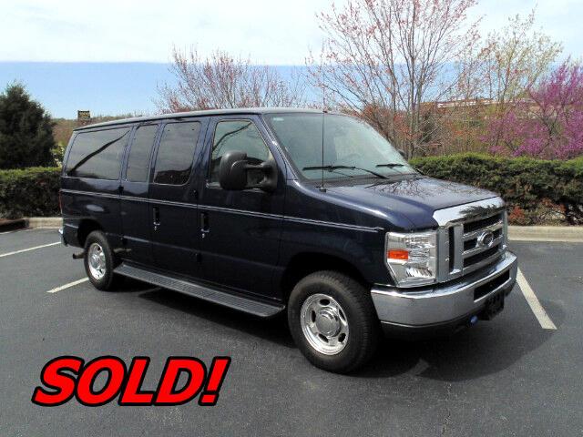 2010 Ford Econoline E-150 XLT Premium 7 Passenger Van
