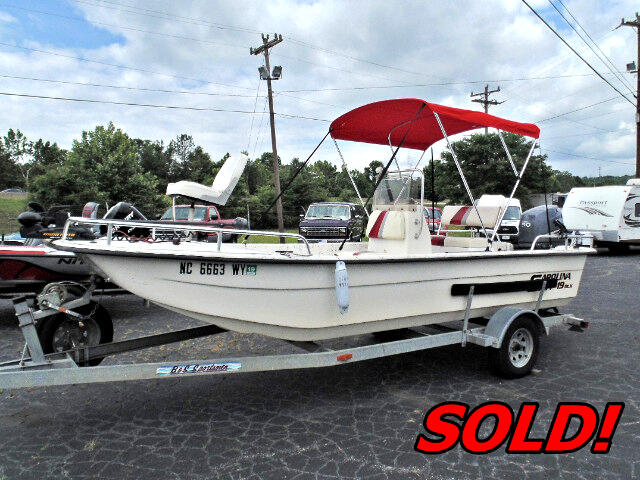 2004 Carolina Skiff 1965DLX 19Ft Center Console