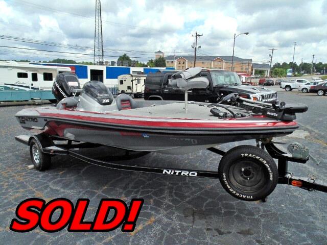 2011 Nitro Z6 18Ft Bass Boat