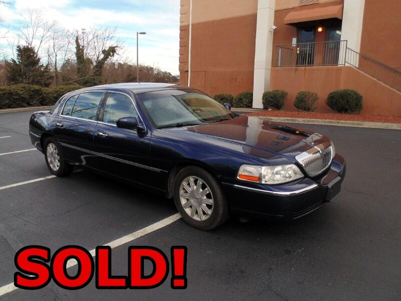 Lincoln Town Car Signature L 2011