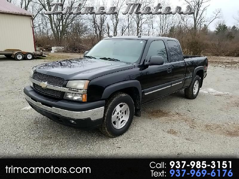 Chevrolet Silverado 1500 Work Truck Ext. Cab Short Bed 4WD 2005