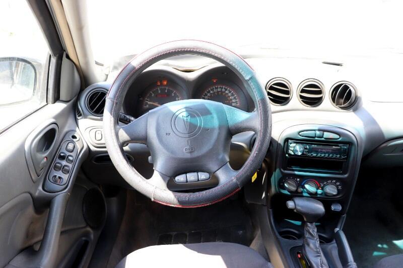 2004 Pontiac Grand Am SE1 sedan
