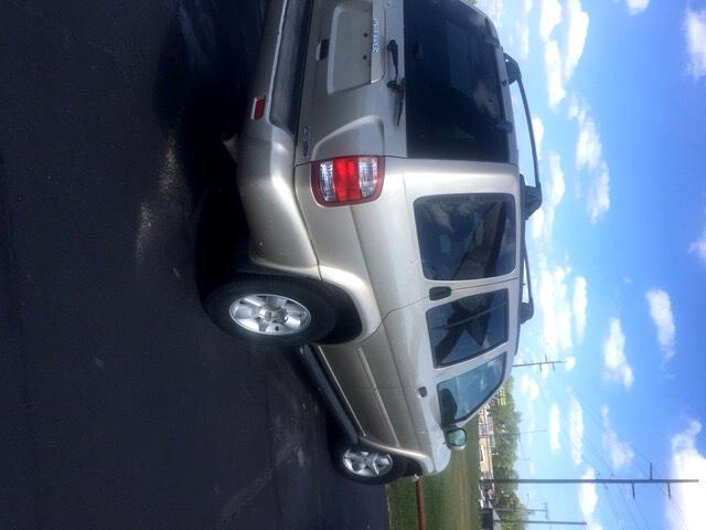 2001 Nissan Pathfinder SE 2WD