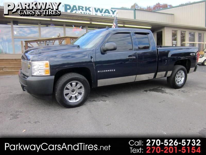 2007 Chevrolet Silverado 1500 Work Truck Ext. Cab Short Box 4WD