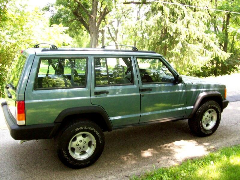 1998 Jeep Cherokee SE 4-Door 2WD