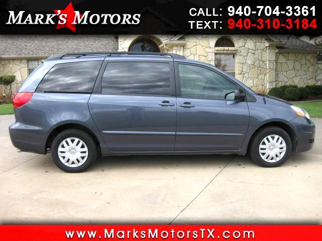 2010 Toyota Sienna LE FWD 8 Passenger
