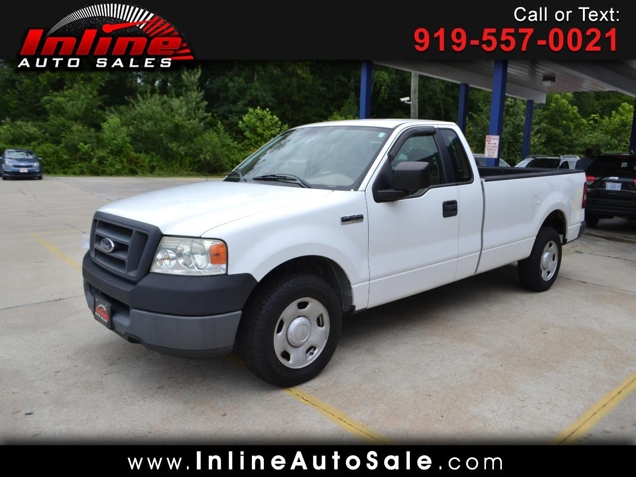"Ford F-150 Reg Cab 126"" XL 2005"