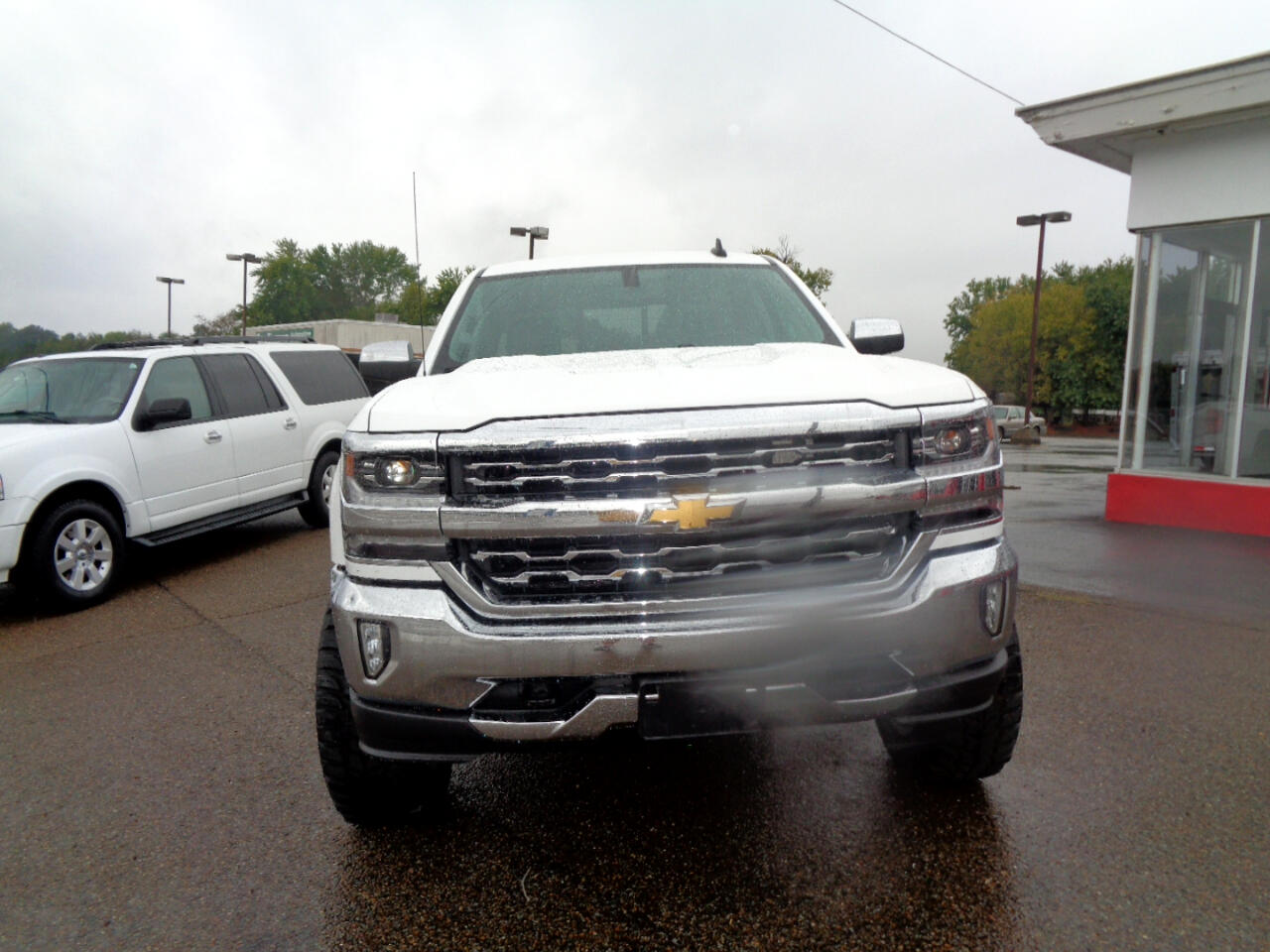 "Chevrolet Silverado 1500 4WD Crew Cab 143.5"" LTZ w/1LZ 2018"