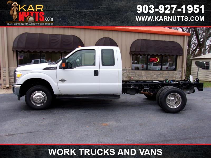 2015 Ford F-350 SD XLT SuperCab Long Bed DRW 4WD