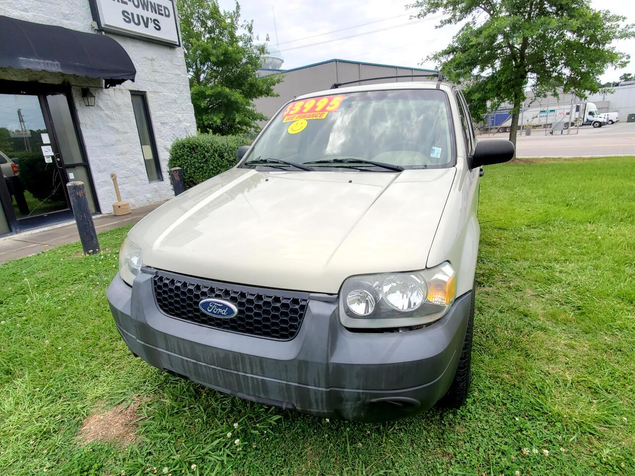 """Ford Escape 4dr 103"""" WB 2.3L XLS 2005"""