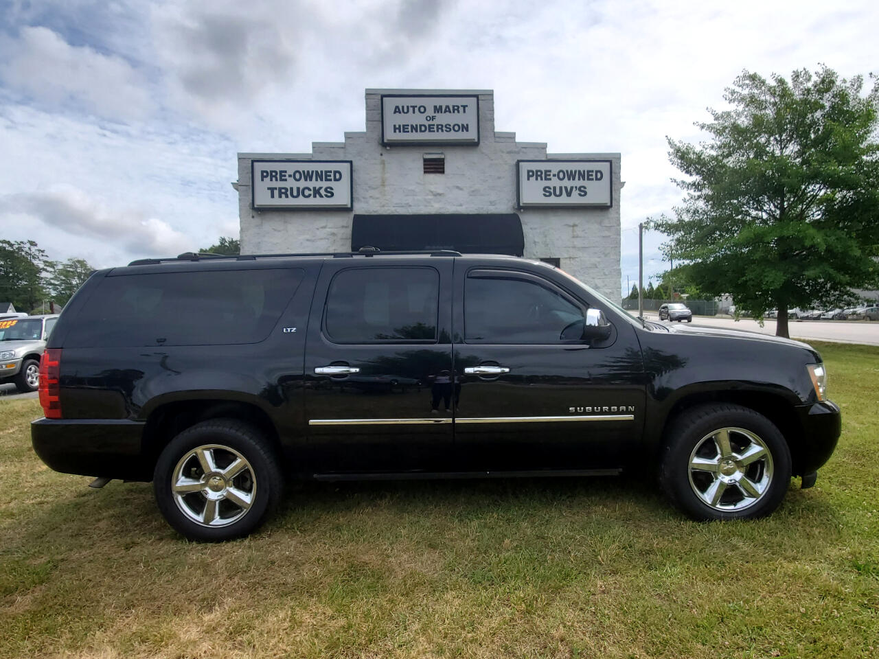 Chevrolet Suburban 4WD 4dr LTZ 2014