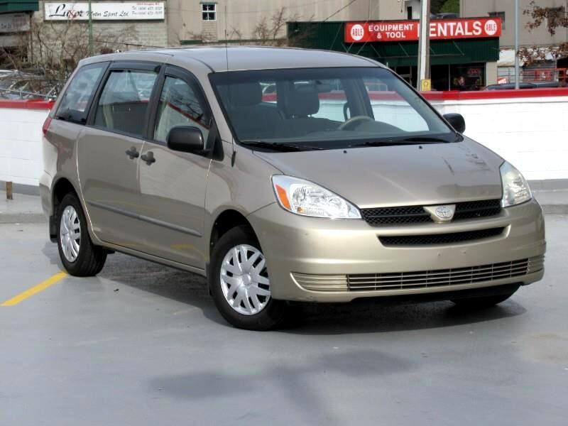 2004 Toyota Sienna CE - 7 Passenger