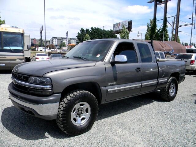 2002 Chevrolet Silverado 1500 LS Ext. Cab Short Bed 4WD