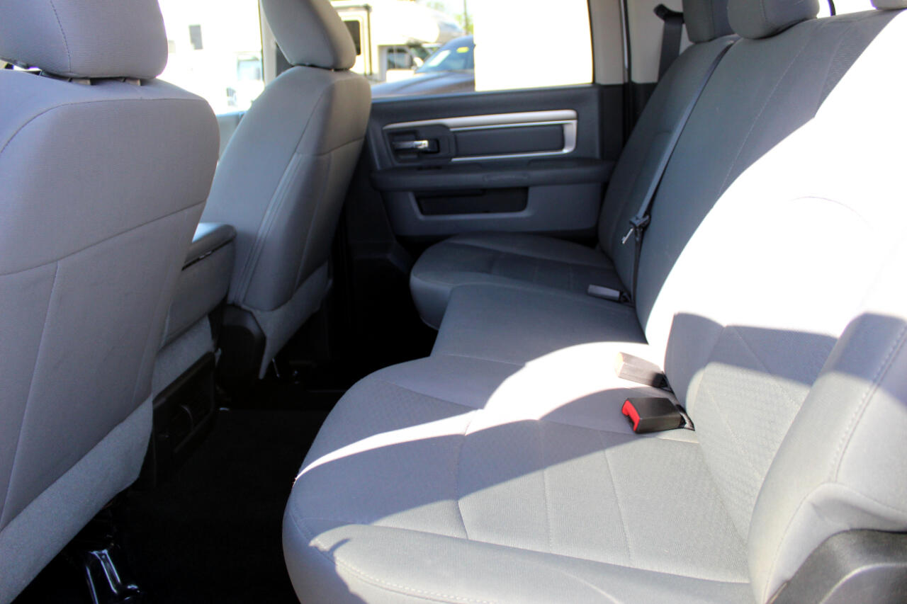 2015 RAM 3500 SLT Crew Cab SWB 4WD