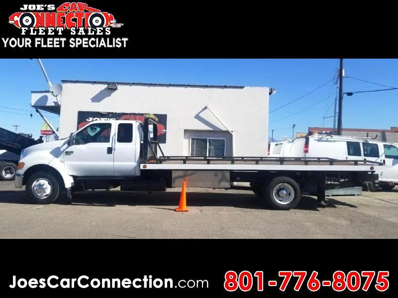 Ford Super Duty F-650 Straight Frame SuperCab XLT 2005