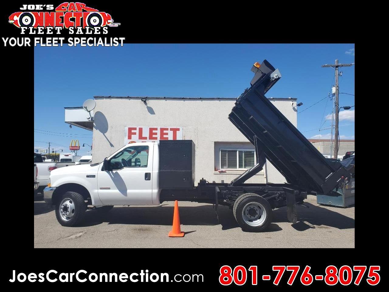 """Ford Super Duty F-550 DRW Reg Cab 141"""" WB 60"""" CA XLT 2004"""