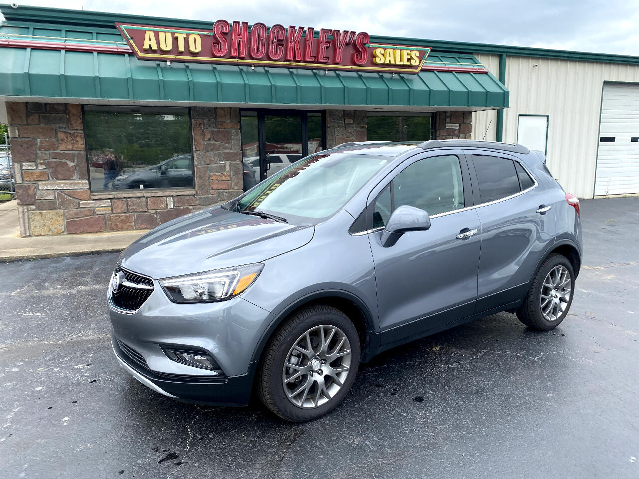 Buick Encore FWD 4dr Sport Touring 2020