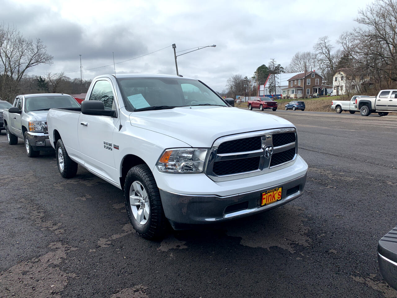 RAM 1500 SLT 4x4 Regular Cab 8' Box 2017