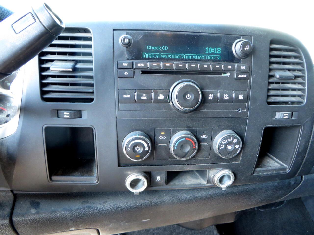 """Chevrolet Silverado 2500HD 2WD Ext Cab 144.2"""" LT 2011"""