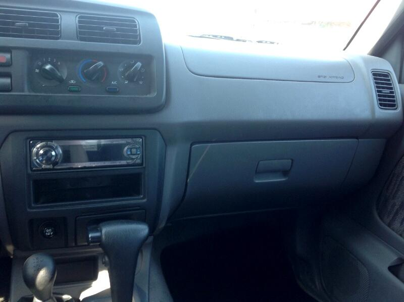 2000 Nissan Frontier SE Crew Cab V6 Auto 2WD