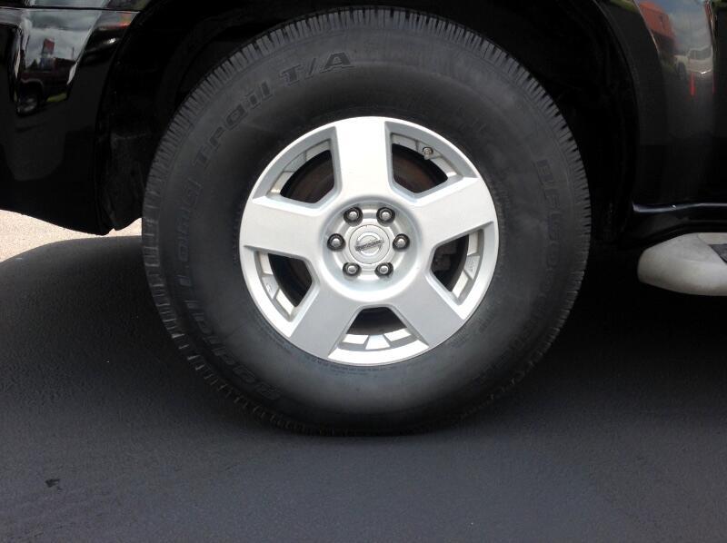 2011 Nissan Pathfinder LE 4WD