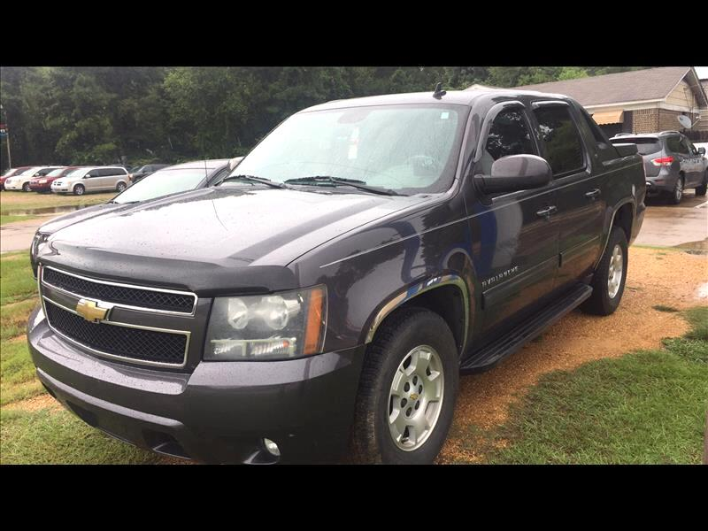 2010 Chevrolet Avalanche LT 2WD