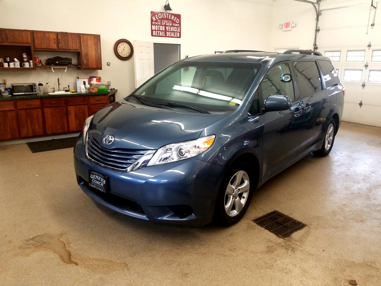 2015 Toyota SIENNA LE/