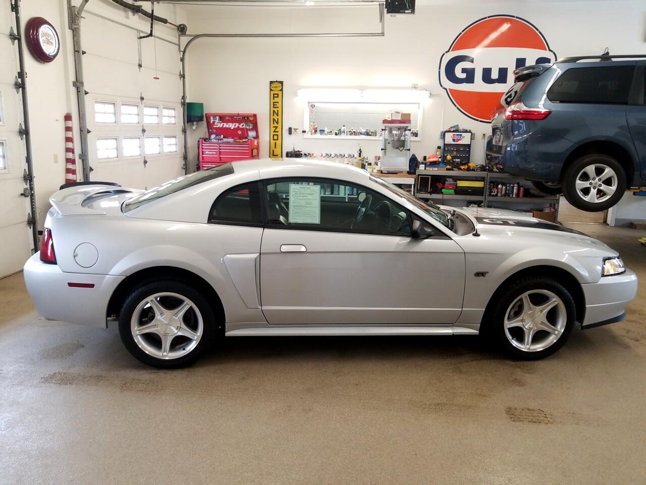2000 Ford Mustang 2dr Coupe GT
