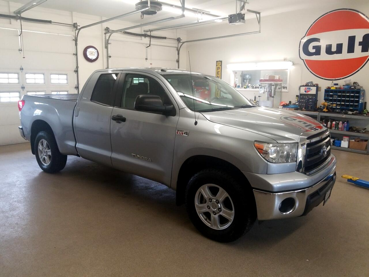 2013 Toyota Tundra 4WD Truck Double Cab 5.7L V8 6-Spd AT (Natl)