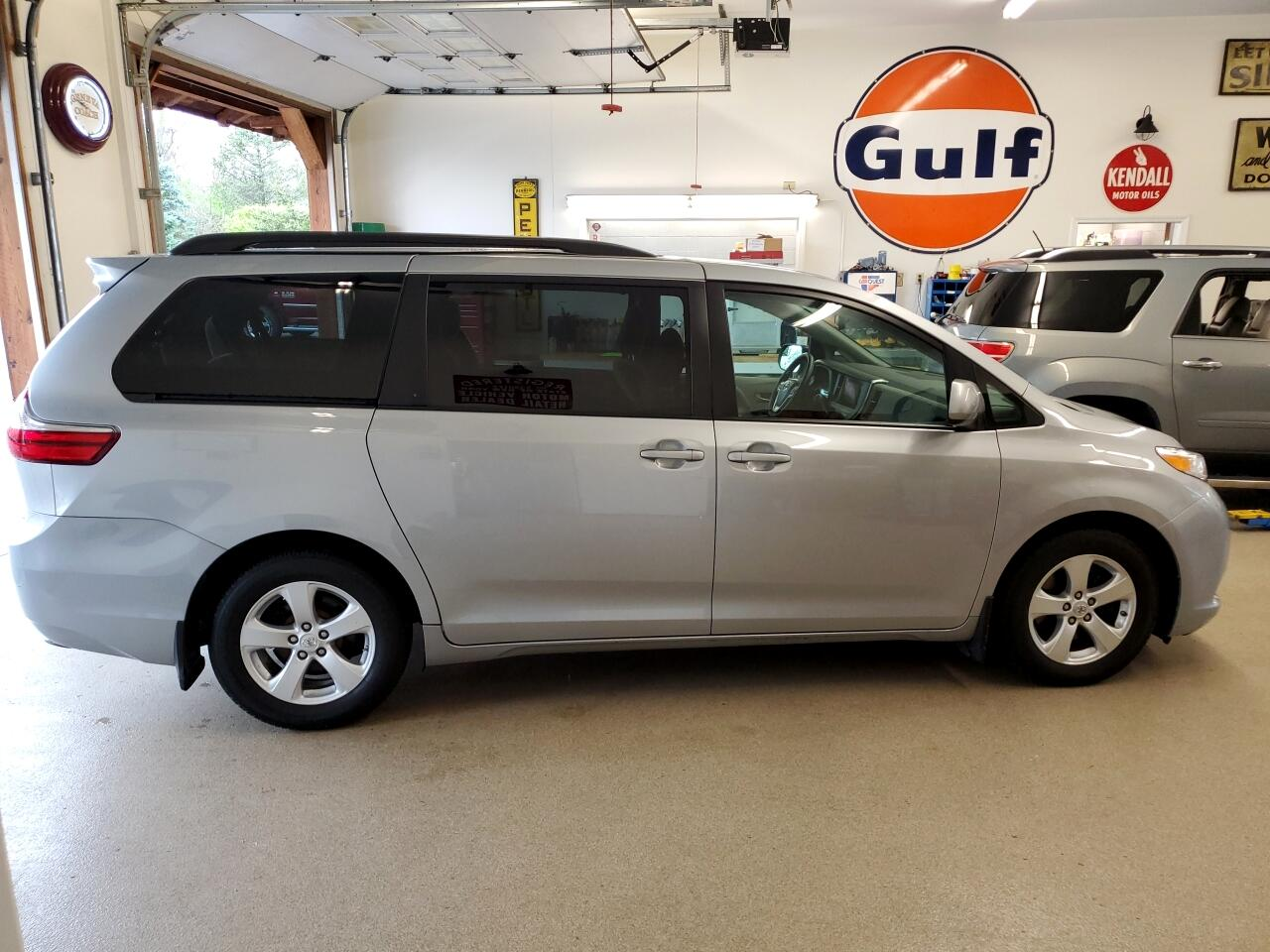 2015 Toyota Sienna 5dr 7-Pass Van LE FWD (Natl)