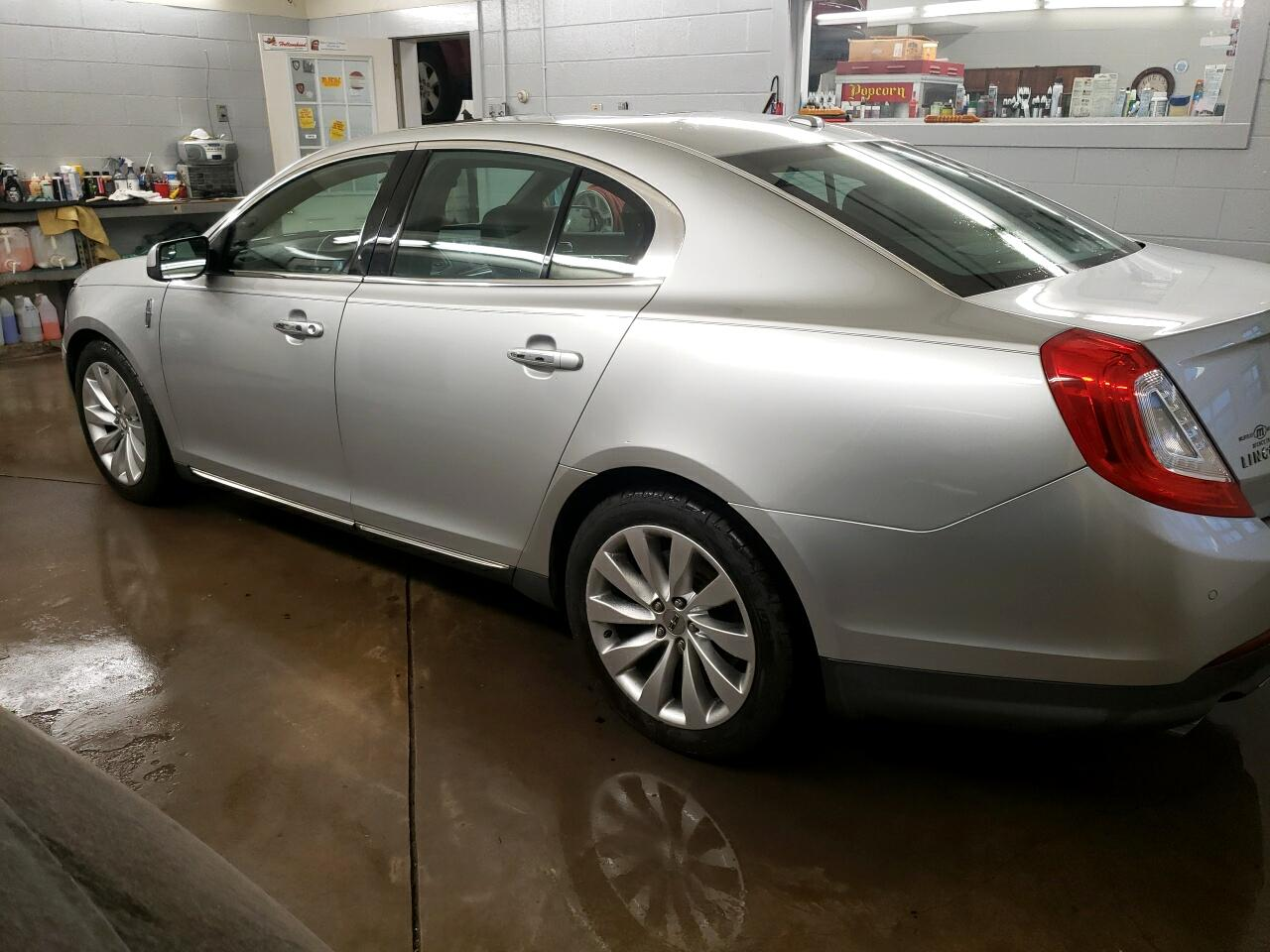 Lincoln MKS 4dr Sdn 3.7L AWD 2013