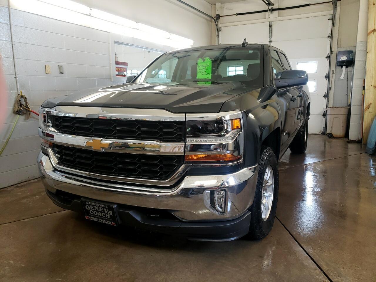 "Chevrolet Silverado 1500 4WD Double Cab 143.5"" LT w/1LT 2017"