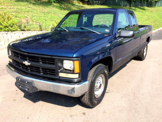 1998 Chevrolet C/K 2500 Ext. Cab 6.5-ft. Bed 2WD