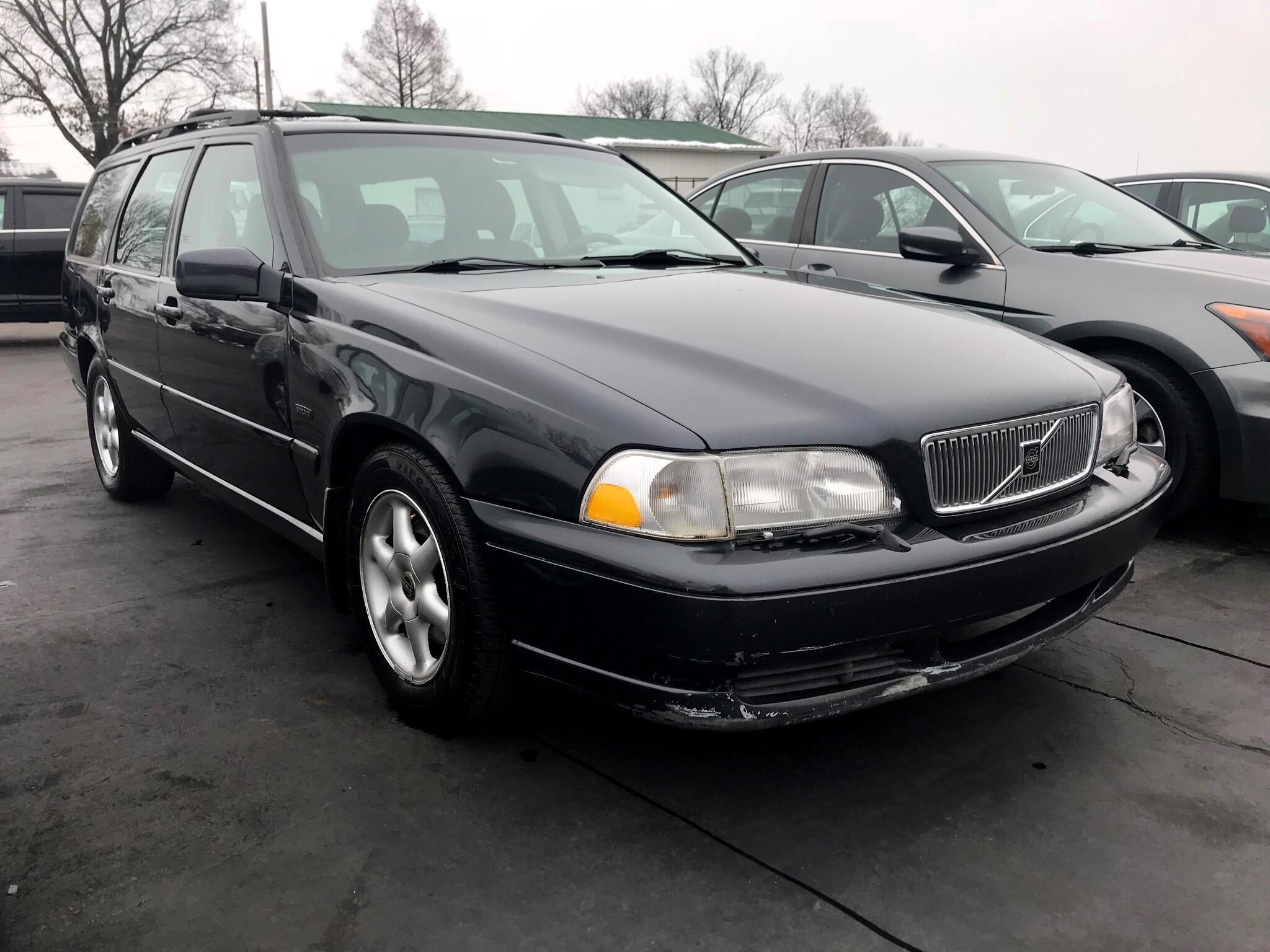 1998 Volvo V70 Base