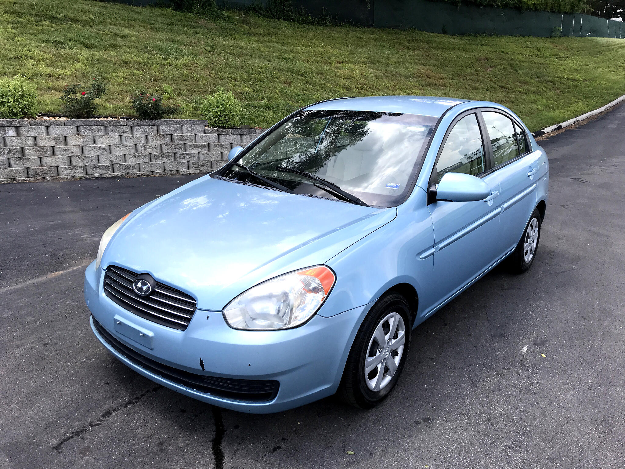 2009 Hyundai Accent GLS 4-Door