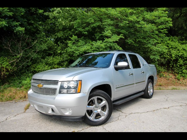 2013 Chevrolet Avalanche LTZ Black Diamond 2WD
