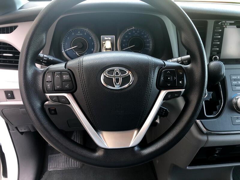 2018 Toyota Sienna LE 8-Passenger